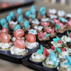 Mini Cupcakes with French Macarons Recipe