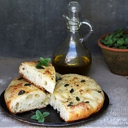 Roasted Garlic Focaccia Bread