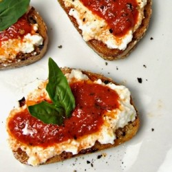 Roasted Red Pepper Ricotta Crostini Recipe