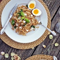 Whole Wheat Pasta with Spinach Eggs and Goat Cheese