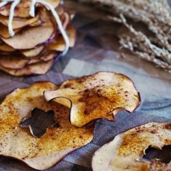 Baked Apple Turmeric Chips Recipe