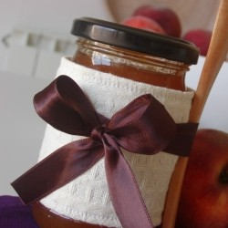 Homemade Peach and Vanilla Jam
