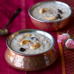 Payasam Kheer with Apples and Oats Recipe