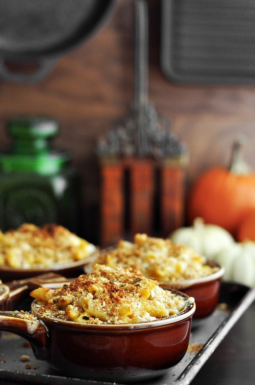 Pumpkin Sage Thyme Mac and Cheese Recipe