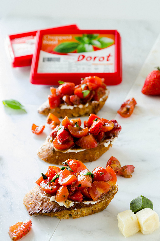Strawberry Tomato Basil Bruschetta with Blue Cheese Spread Recipe