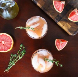 Grapefruit and Thyme Gin Spritzer Recipe