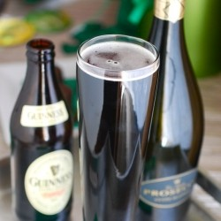 Black Velvet Cocktail with Guinness Beer and Champagne